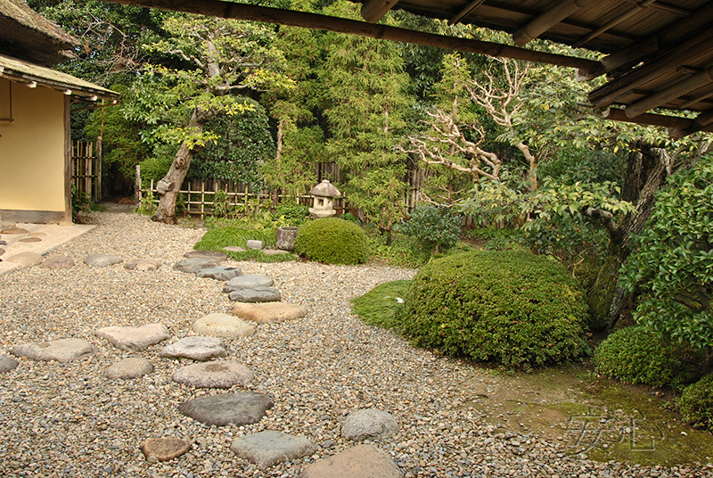 Stepping stone path (tobi-ishi), Japan